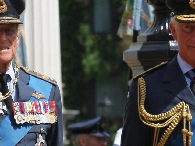 Neue Doku erscheint bald - Prinz Philip starb im April: Charles enthüllt seines Vaters letzten Worte an ihn