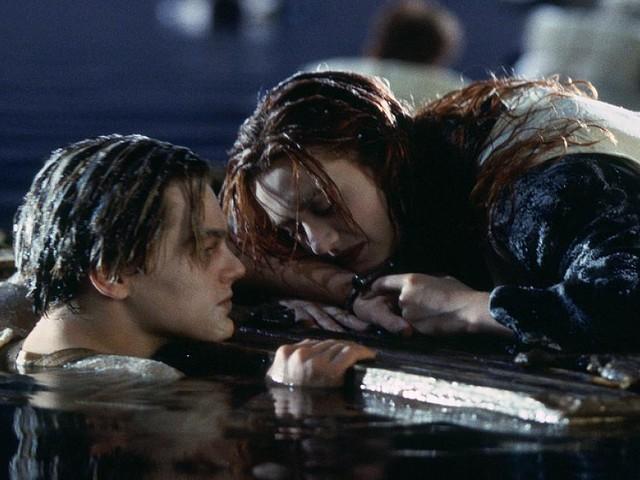 """Interview zu """"Once Upon a Time in Hollywood"""" - 22 Jahre nach """"Titanic"""" stellt Brad Pitt Leo DiCaprio entscheidende Tür-Frage"""
