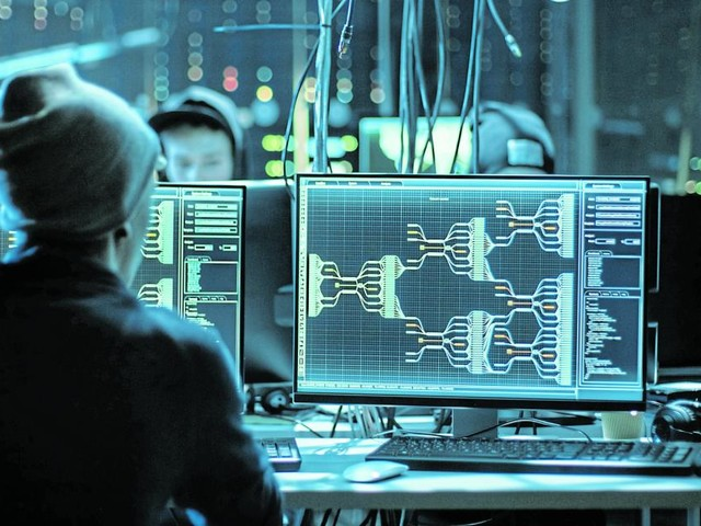 Cybercrime: Wenn der Hacker in die Firma drängt