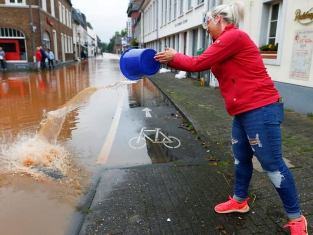 """""""Man kann nur weinen und abwarten"""": Wie Betroffene die Flut erleben"""