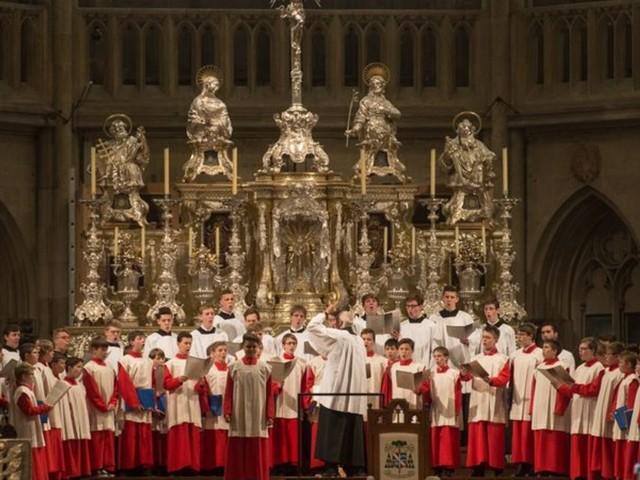 Nach fast 1050 Jahren : Regensburger Domspatzen gründen Mädchenchor