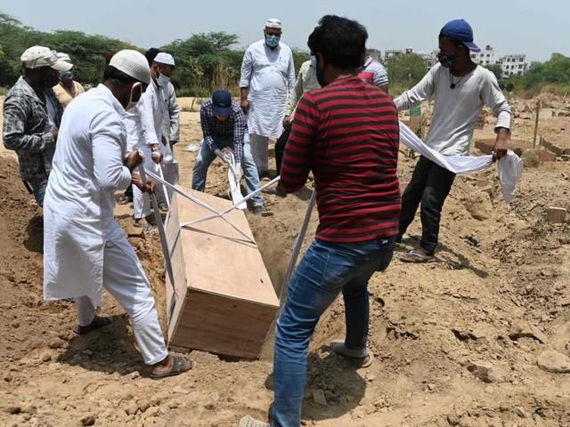"""""""Nennt man das Tod – oder Mord?"""": Wie Corona in Indien wütet"""