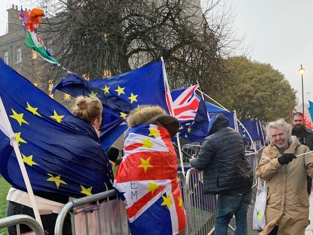 Ungeregelter Austritt: EU-Parlament beschließt Notfallpläne für No-Deal-Brexit