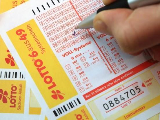"""Lottozahlen am 28.04.2021: Die """"Lotto am Mittwoch""""-Gewinnzahlen heute für 13 Millionen Euro"""
