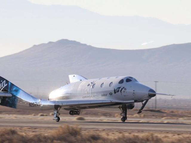 Erster Weltraumflug von Virgin Galactic mit Personen geglückt