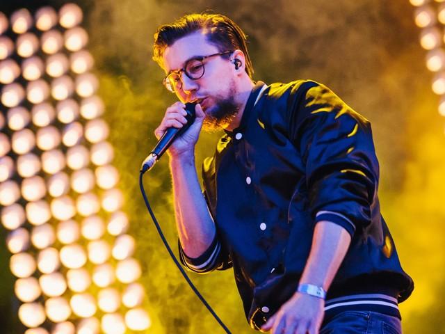 Volltreffer oder Fehlwurf? Rapper Prinz Pi singt Handball-Hymne