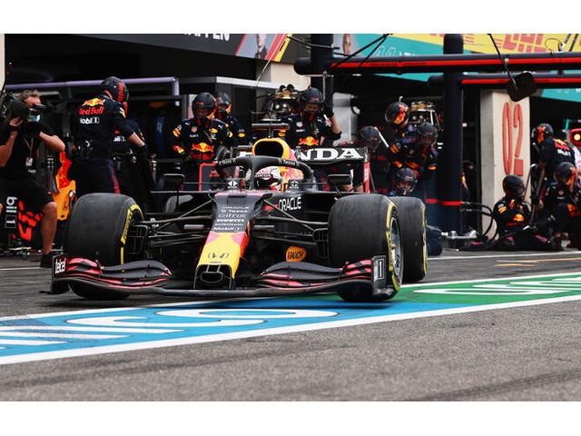 Red Bull trickst Mercedes aus: Die Rache für Barcelona