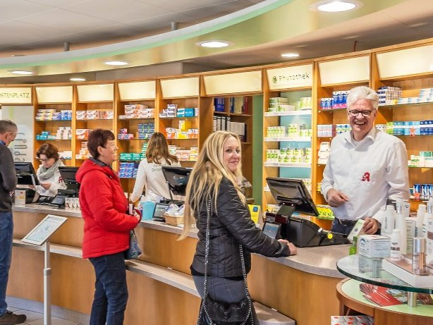 JUBILÄUM: Apotheke am Drostenplatz in Balve feiert 25-Jähriges