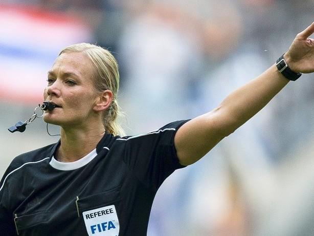 Kolumne: Die Bundesliga wird weiblicher, jünger und etwas sozialer