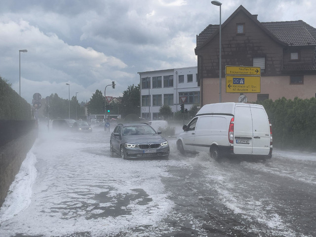 Unwetter in der Region Reutlingen: Tennisballgroßer Hagel – fünf Verletzte