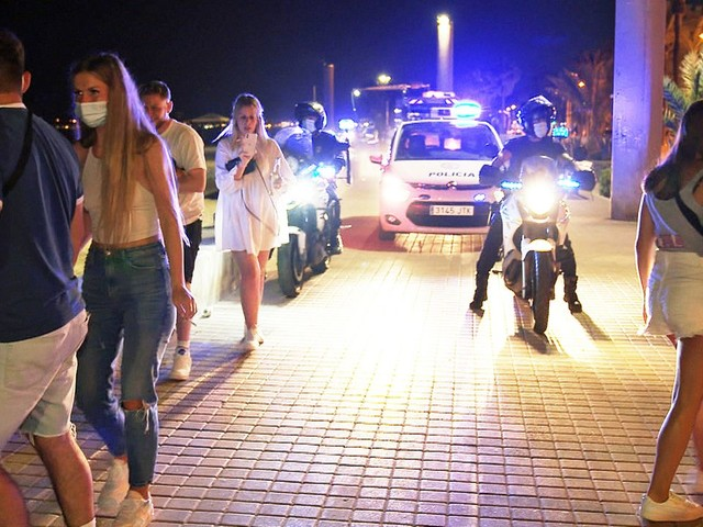 Party-Comeback auf Mallorca: Die Urlauber sind wieder da - SPIEGEL TV