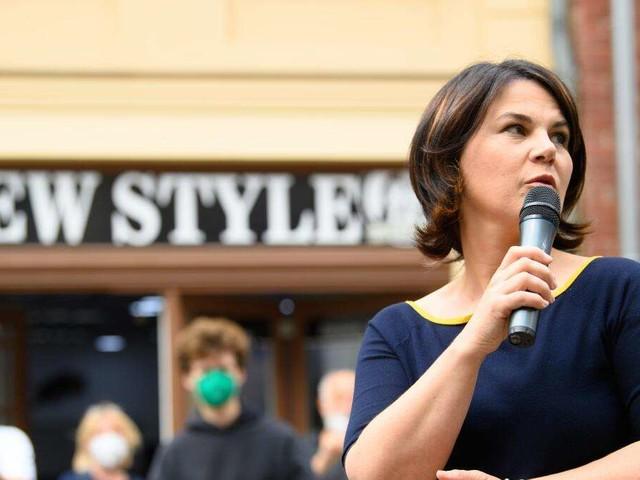"""Viele halten Ausgang der Bundestagswahl noch für offen - Baerbock-Ampel ohne Mehrheit bei """"Politbarometer"""""""