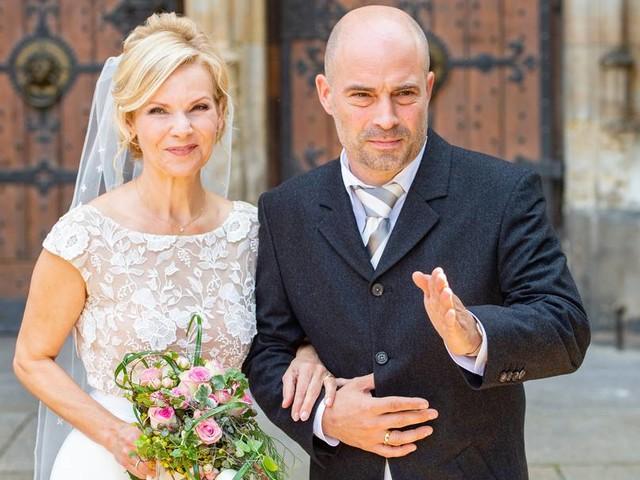"Andrea Kathrin Loewig: TV-Star aus ""In aller Freundschaft"" heiratet in Leipzig"