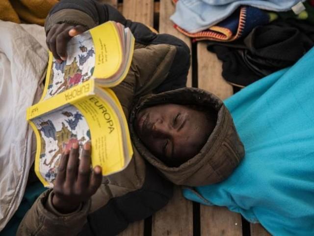 Mehr als 360 Migranten dürfen in Sizilien an Land