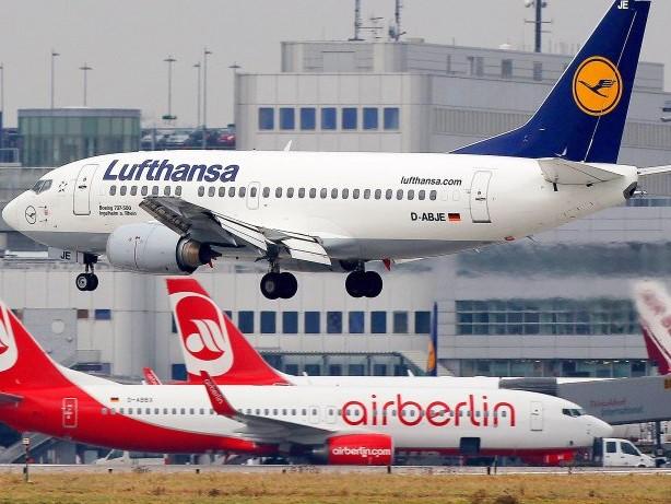 Luftfahrt: Lufthansa unterschreibt Kaufvertrag für Air Berlin