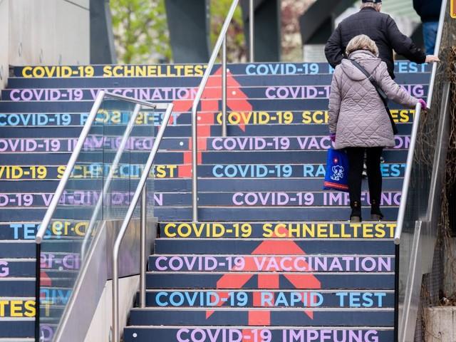 Impfung im Grünen Pass: Wie lange muss der erste Stich her sein?