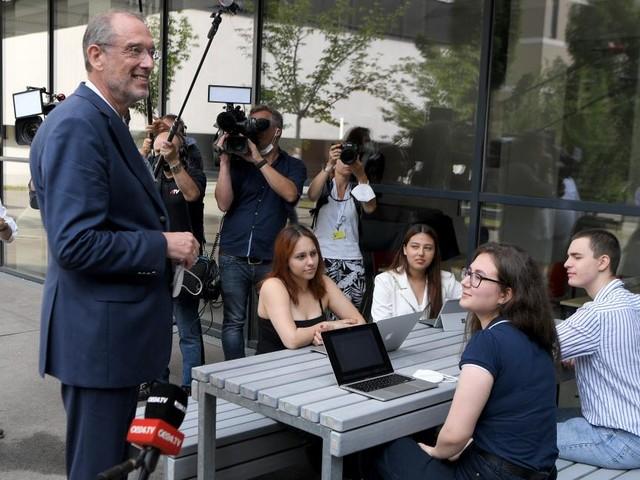 """150.000 Stück: Auslieferung der """"Gratis-Laptops für alle"""" beginnt"""