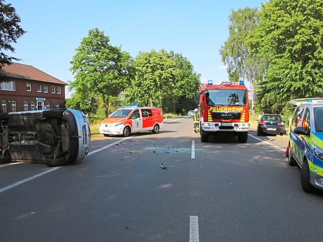 Drei Personen mit Verletzungen ins Krankenhaus