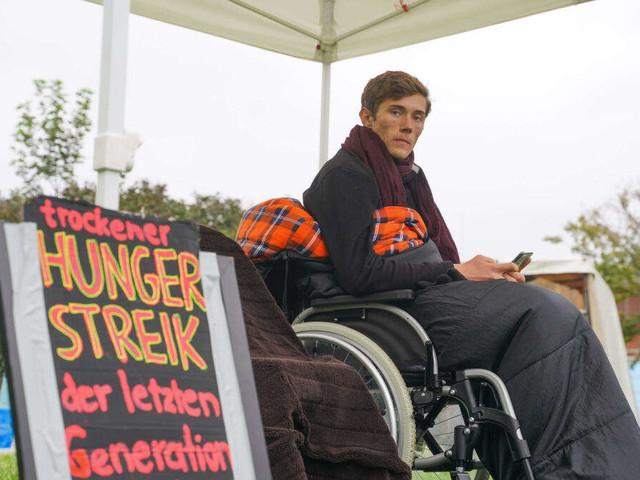 Nach Anruf von Olaf Scholz: Klimaaktivist beendet seinen Hungerstreik - Reaktionen der Wähler gespalten