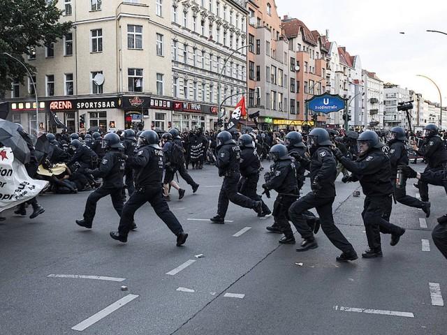 45 Polizisten bei Demonstrationen in Berlin verletzt