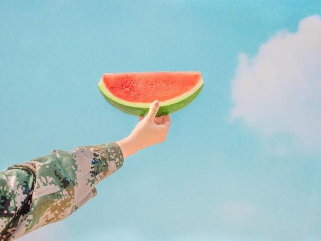 Tag der Wassermelone: 8 Gründe, warum du noch öfter Wassermelone naschen solltest