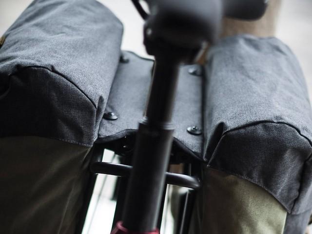 Fahrradtaschen im Test: Nicht alle schützen auch vor Nässe