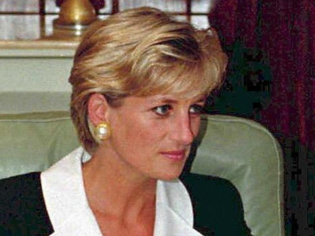 Sie kämpfte mutig um Prinz Charles - Prinzessin Dianas Freundin enthüllt: So verlief das erste Aufeinandertreffen mit Camilla