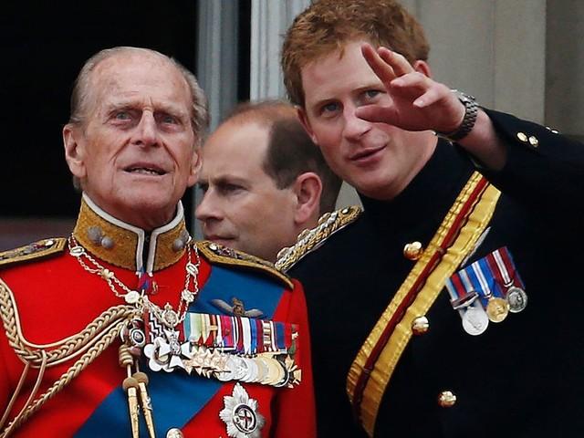Prinz Philip: Um drei Uhr nachts aus dem Bett geklingelt: So erfuhr Prinz Harry vom Tod seines Opas
