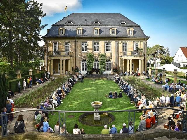 Die Staatsoper in der Villa Reitzenstein: Harald Schmidts schlechte Scherze werden mit Schweigen quittiert
