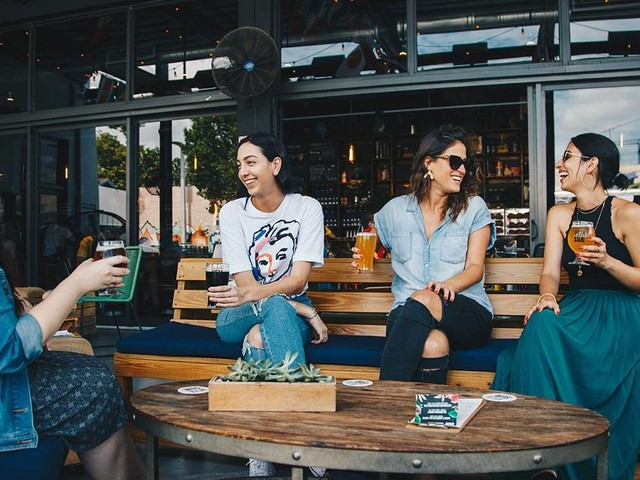 Networking für Anfänger: So knüpfen Sie mehr Kontakte in der Modebranche