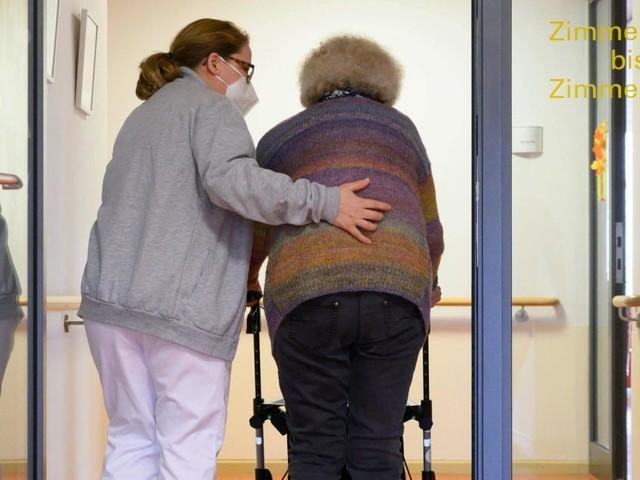 Das Land Niederösterreich sucht händeringend Pflegekräfte