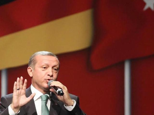 Besuch in Deutschland - Erdogan erhebt Forderungen an Deutschland - Staatsbankett wird zur Farce