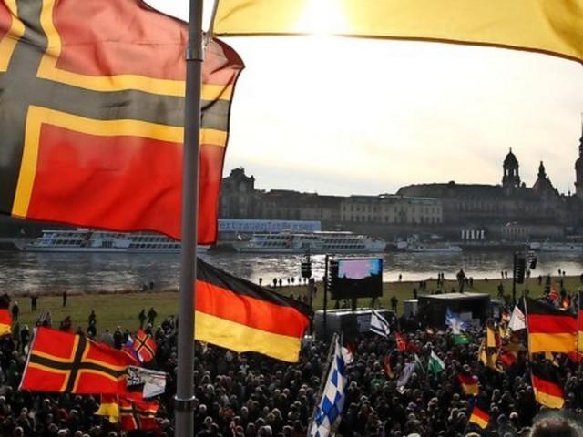 Demokratie-Umfrage: Ostdeutsche unzufrieden mit unserer Staatsform