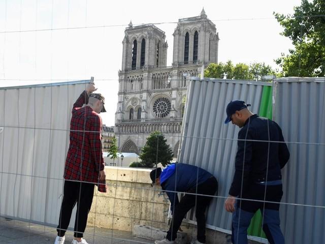 Steine fallen aus Gewölbe – Notre-Dame immer noch vom Einsturz bedroht