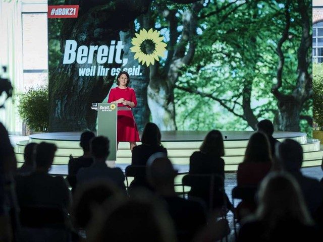 Umfrage zur Bundestagswahl: Laschet überrundet Baerbock - Union führt acht Punkte vor den Grünen