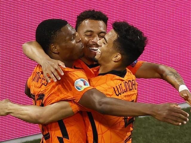 Nach Achtelfinaleinzug: Niederlande spielt sich in Favoritenkreis - Bondscoach mahnt