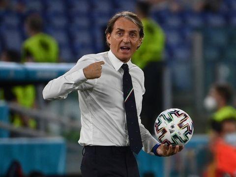 Fußball-EM - Charisma und Mut: Wie Mancini Italien wiederauferstehen ließ
