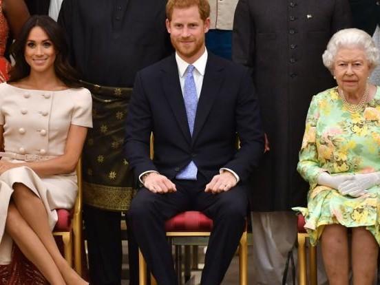 Meghan Markle und Prinz Harry: Queen Elizabeth II. schmiedet Rachepläne nach Dauer-Zoff