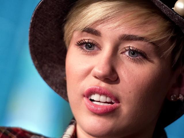 Schwärmerei unter Liebenden: Cyrus gibt Hemsworth neuen Spitznamen