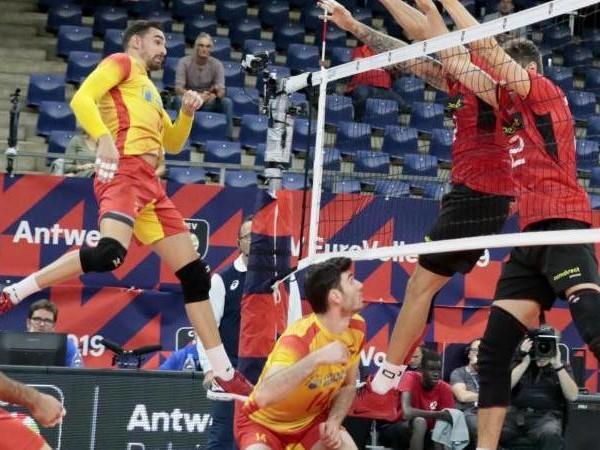 Volleyball-EM: Wut und Enttäuschung: Volleyballer taumeln ins Achtelfinale