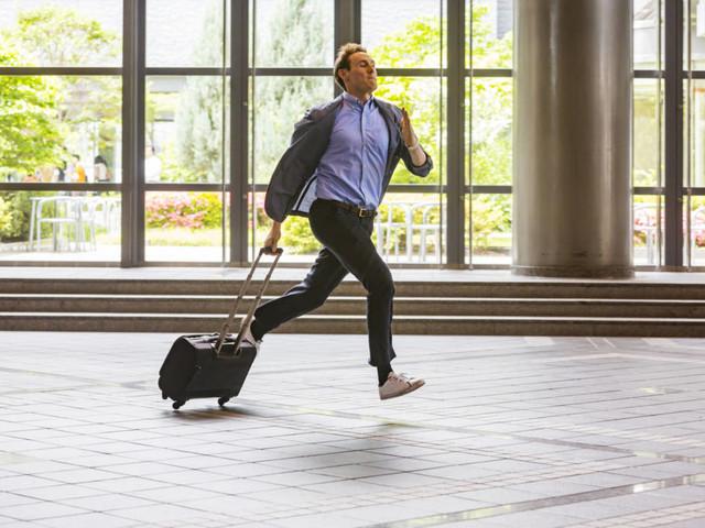 Wenn es zu Verspätungen kommt: Bei Rail-and-fly-Tickets haften Veranstalter für verpasste Flüge