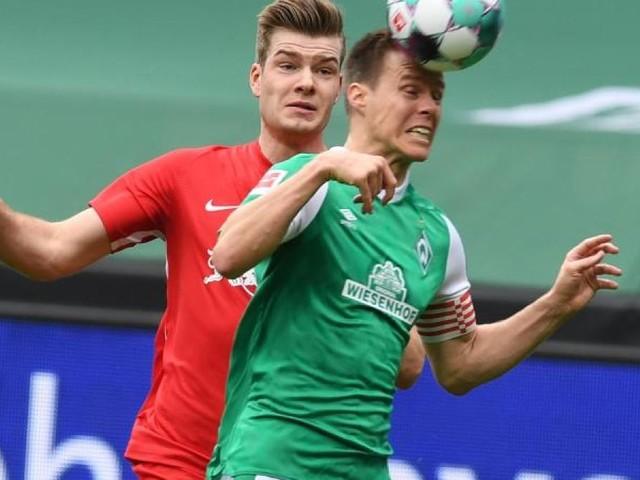 Werder-Kapitän Niklas Moisander lässt Zukunft offen