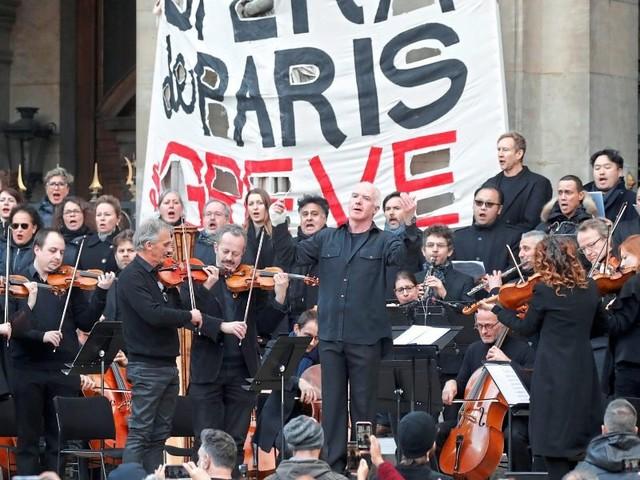 Pensionsproteste in Paris schlagen zum Teil in Gewalt um