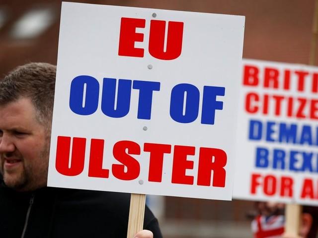 Streit um Nordirland: London will Brexit-Abkommen neu verhandeln