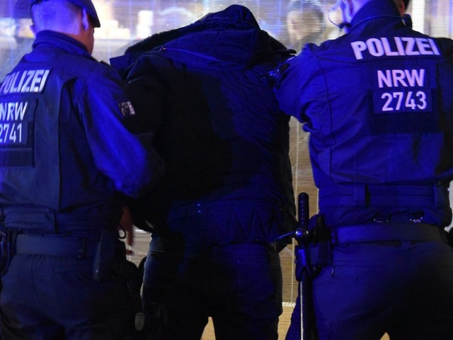 Geldwäsche, Steuerhinterziehung, Schwarzarbeit – Razzia gegen Clans im Ruhrgebiet