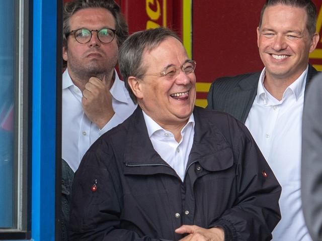 """ZDF-""""Sommerinterview"""": Armin Laschet über sein Lachen im Katastrophengebiet: """"Es war blöde"""""""