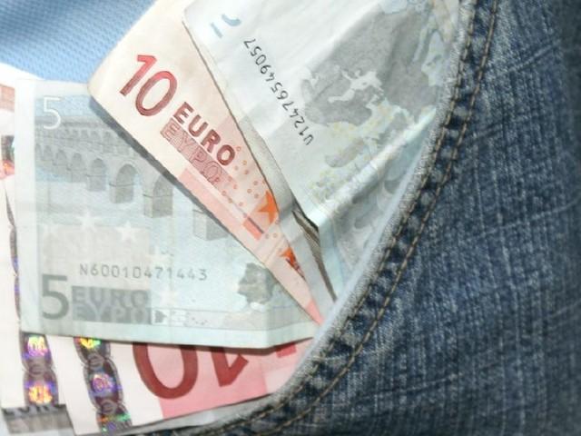 Ab 450 Euro Einkommen: Wer selbstständig unterrichtet, muss Rentenbeiträge zahlen