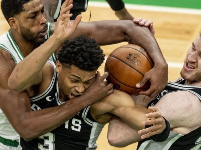 Bei Spurs-Niederlage: Erneutes Double-Double von NBA-Star Pöltl
