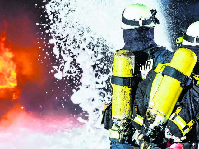Brand in Mehrfamilienhaus in Trier-Quint: Elf Bewohner verletzt, vermutlich Brandstiftung