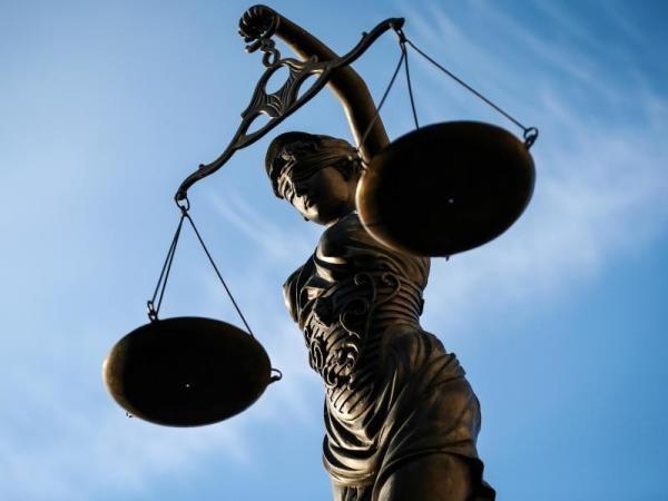 Versuchter Gefängnisausbruch: Jüngster Angeklagter sagt aus